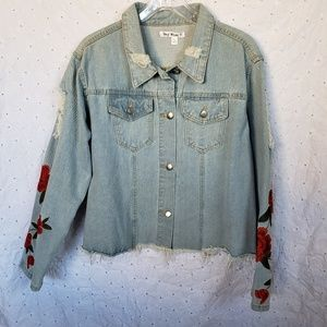 Say what?Distress embroidered sleeves denim jacket